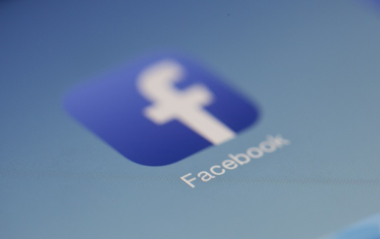 Facebook removing organic posts from news feeds